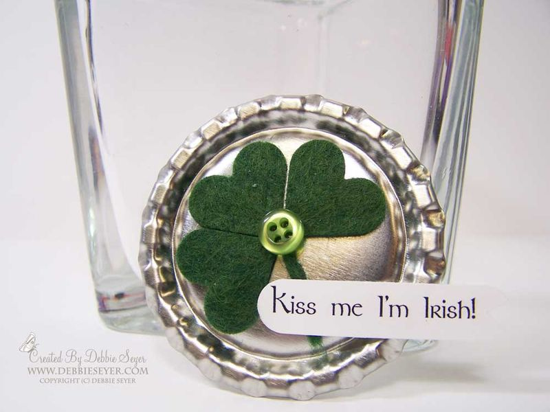 Complete-shamrock-pin